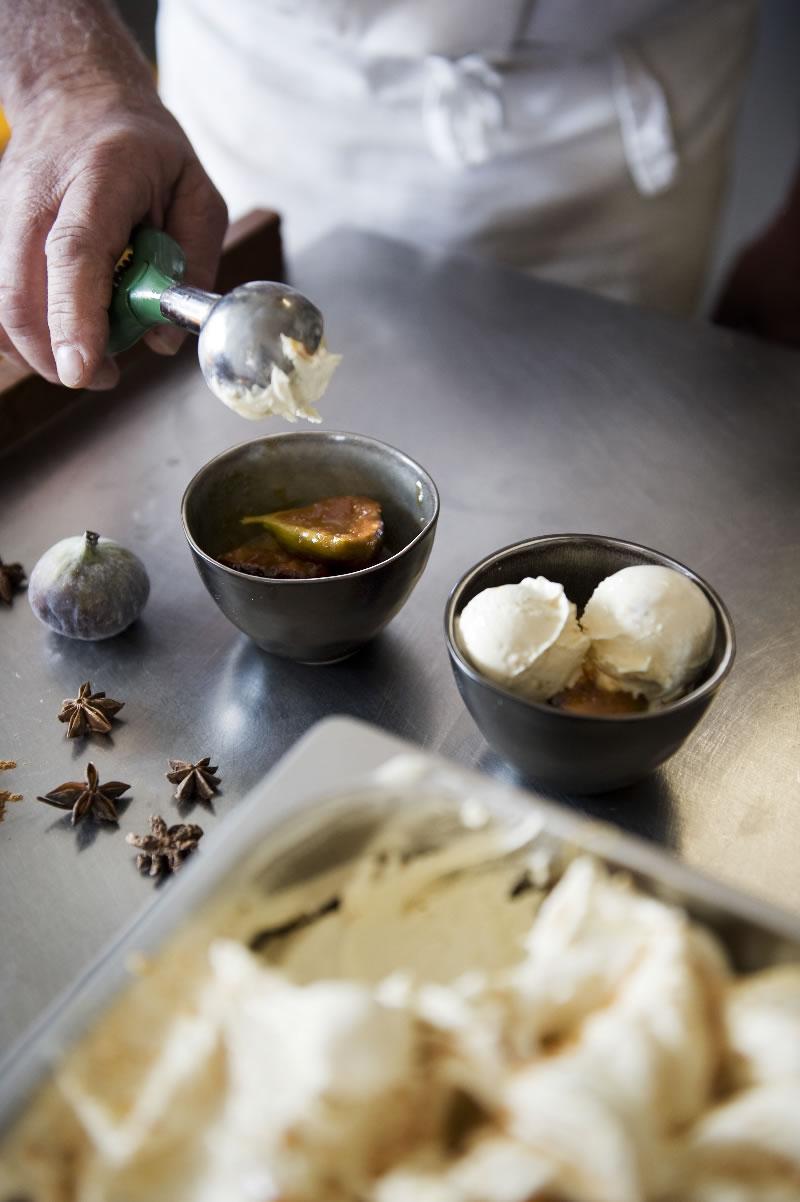 Amandelsp(ijs) met Gekarameliseerde vijgen